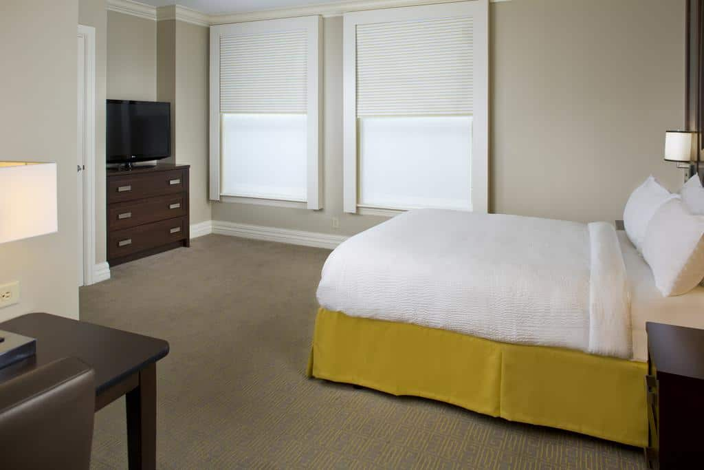 10.Courtyard by Marriott New Orleans French Quarter Iberville
