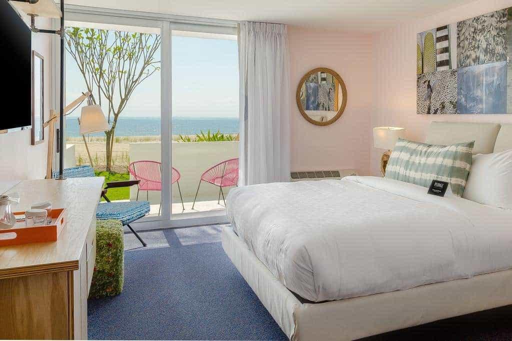 10.Plunge Beach Hotel