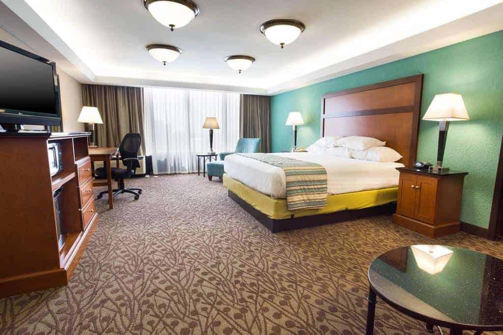 12.Drury Inn & Suites Atlanta Airport
