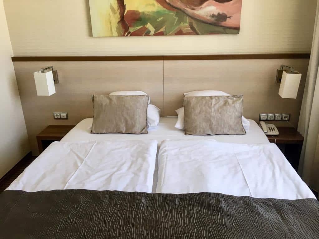 12.Hotel Famulus
