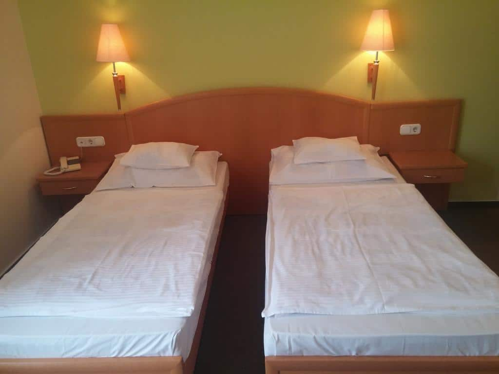 14.Bella Hotel