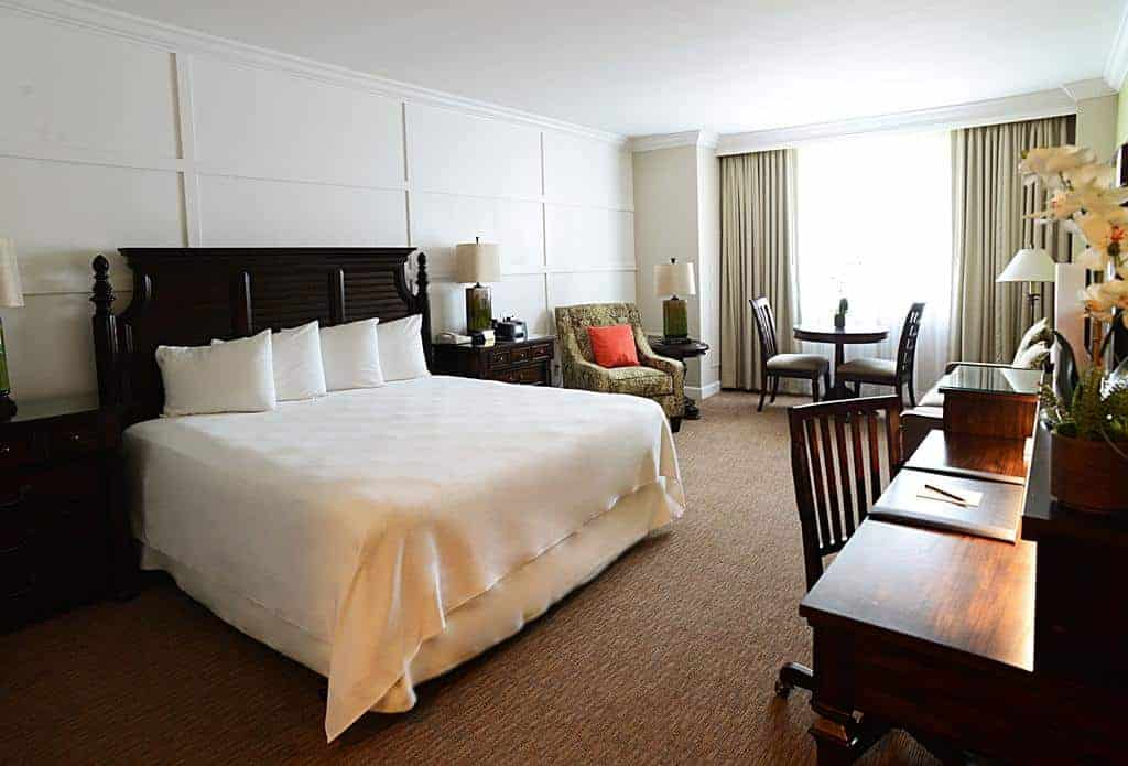 15.Riverside Hotel