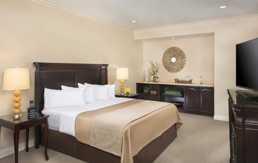 2.فندق أيريس أورانج