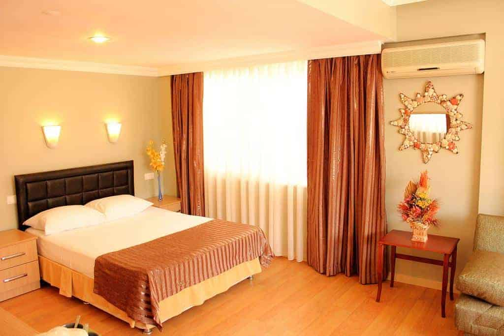 2.فندق دوست