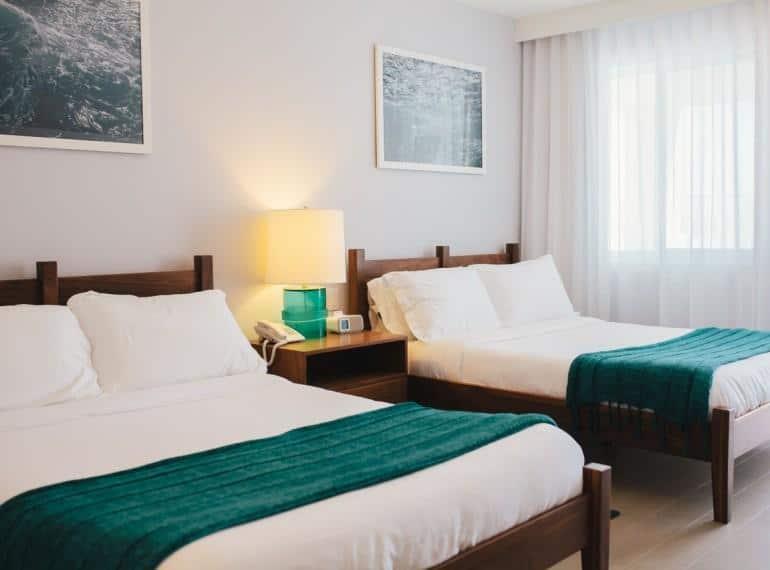 2.Tides Inn Hotel