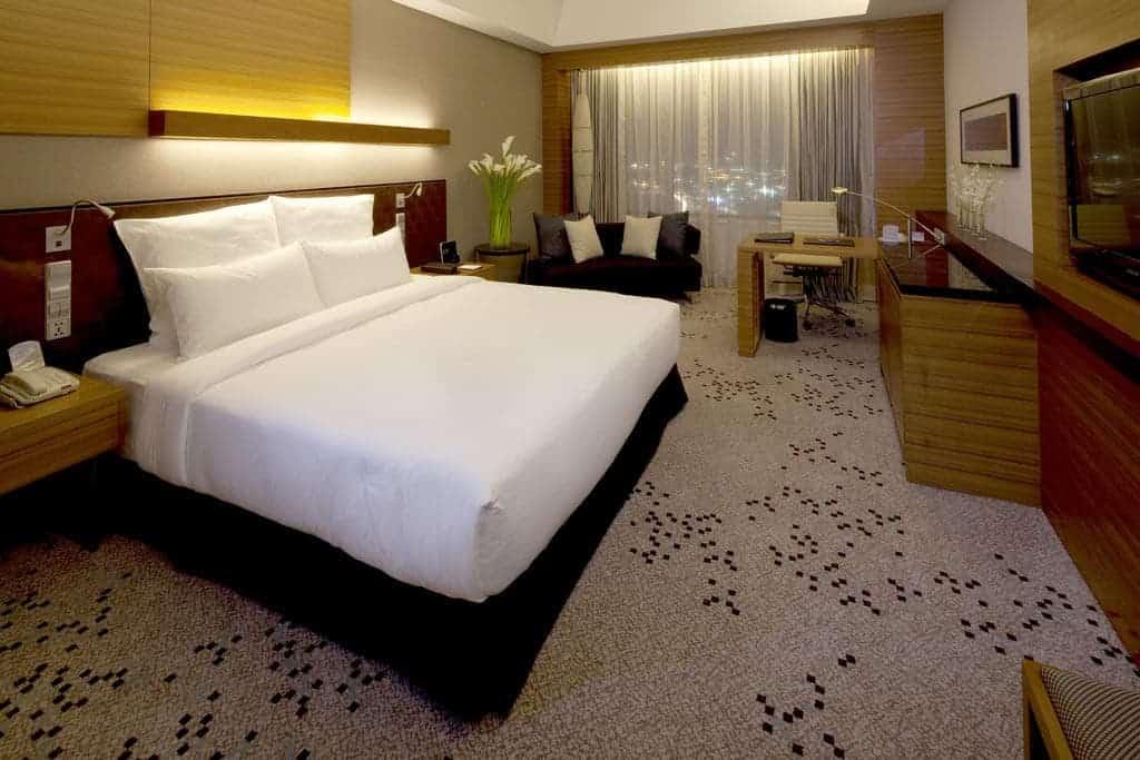 3.فندق راديسون بلو سيبو-min