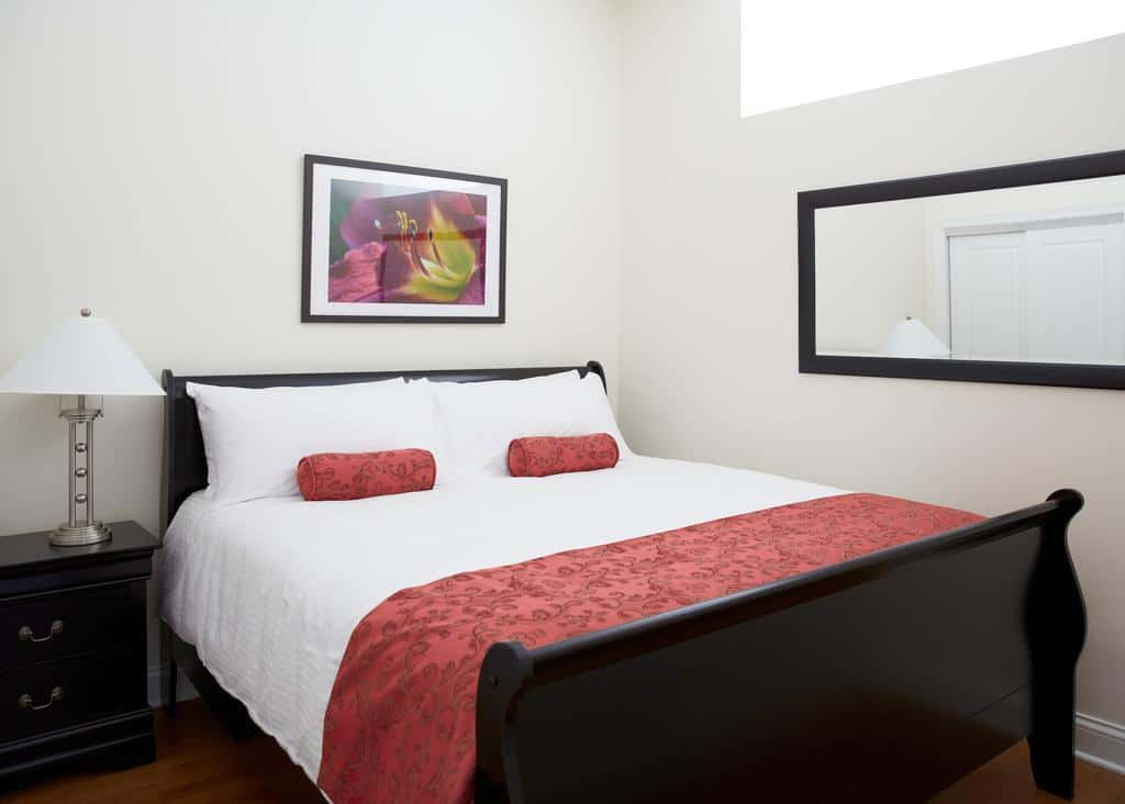 4.The Guesthouse Hotel
