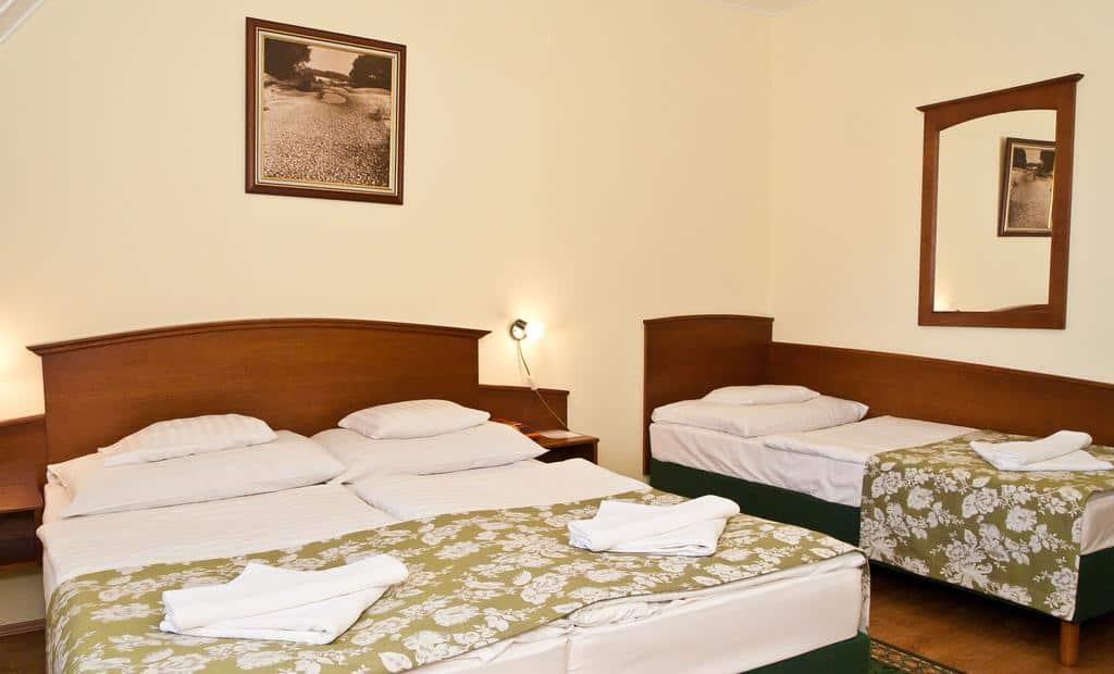 6.Hotel Klastrom