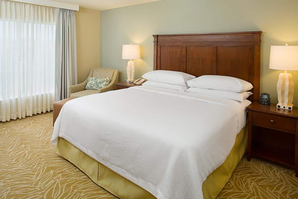 8.Embassy Suites Destin Miramar Beach