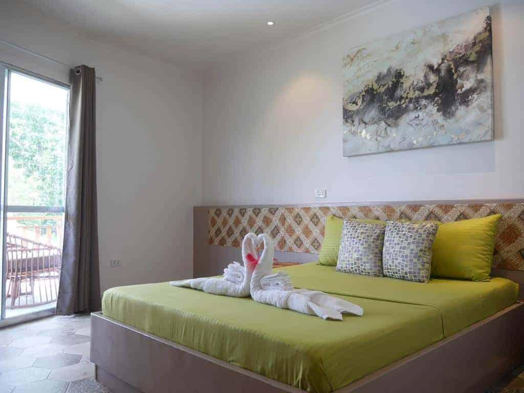 9.فندق بوهول دريم كاتشر ريزورت-min