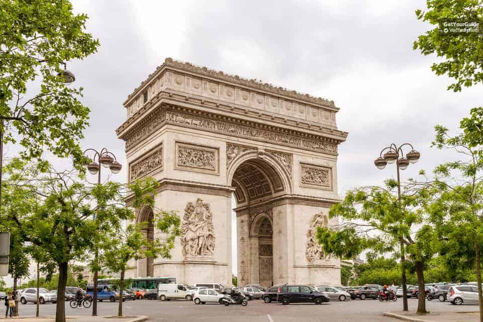 شرح حجز تذكرة المرور السريع لزيارة قوس النصر في باريس اونلاين