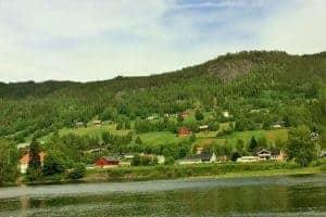 الذهاب الى فوس أحد أجمل المدن في النرويج ن157