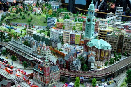 تذكرة لزيارة ارض العجائب المصغرة في هامبورغ