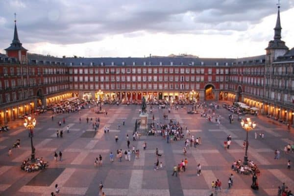 لكل عشاق السياحة في اسبانيا أفضل المدن والمناطق السياحية في