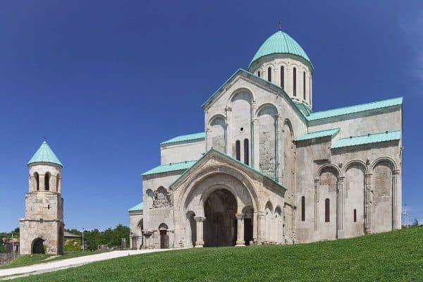 كاتدرائية باغراتي في مدينة كوتايسي