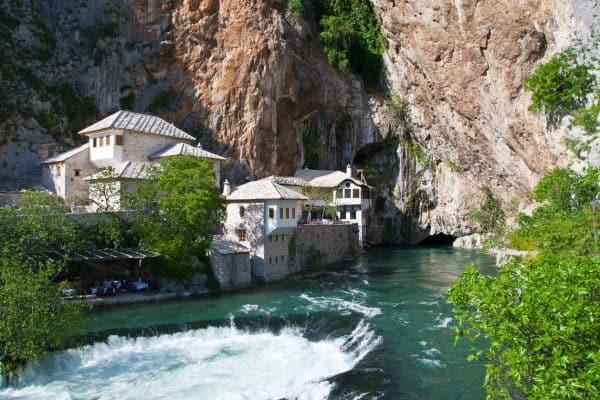 نهر بونا Vrelo Bune