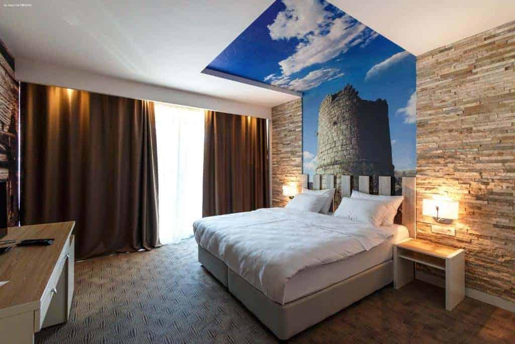 1.Nar hotel