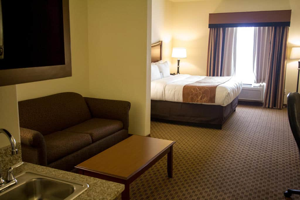 10.Comfort Suites San Antonio North Stone Oak