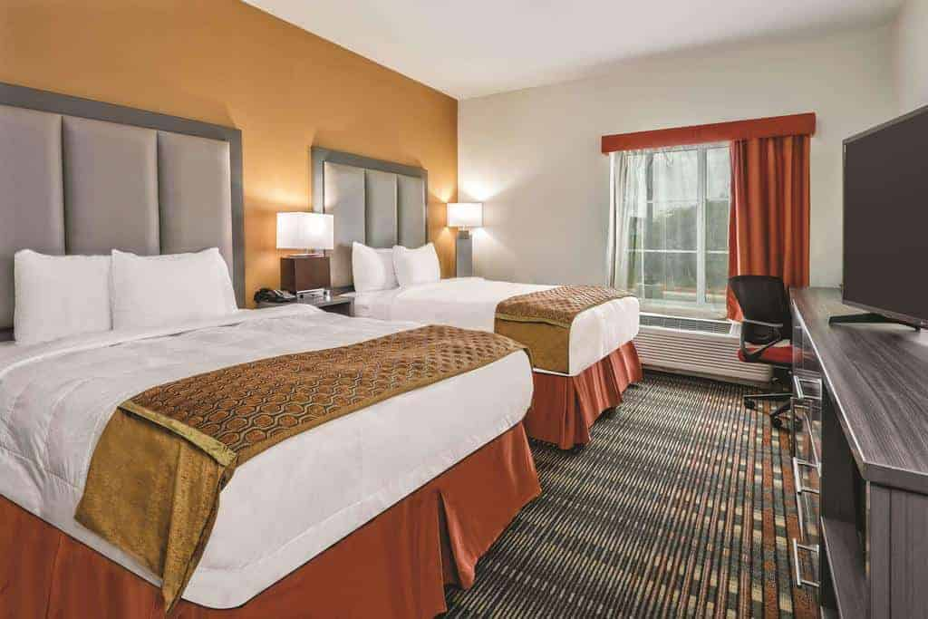 11.La Quinta Inn & Suites San Antonio by AT&T Center