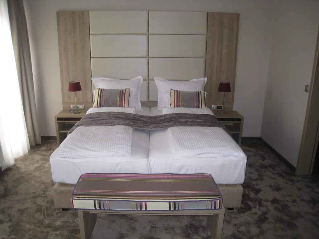 2.فندق في آي بي