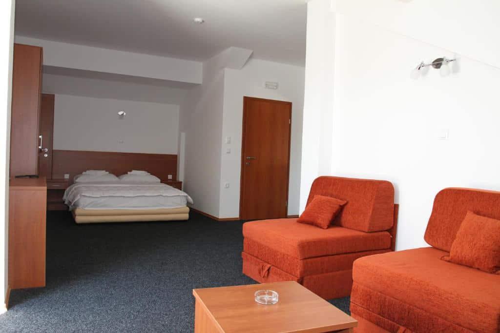 4.Hotel Aćimović
