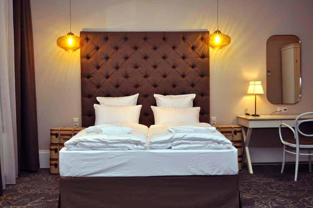 6.Hotel Tchaikovsky-min