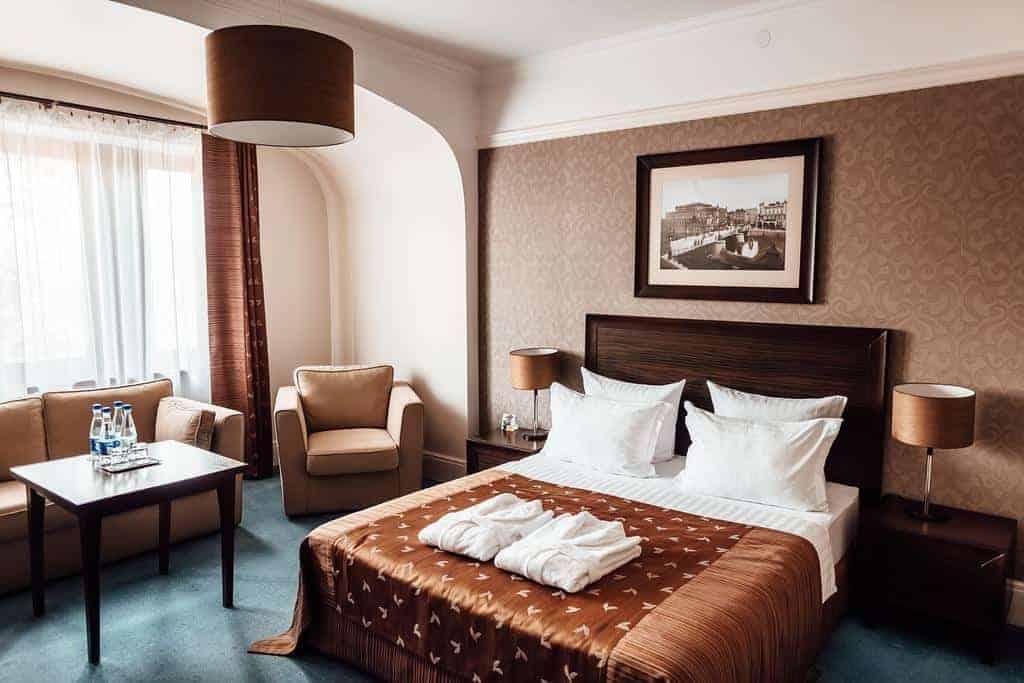 9.Chaika Hotel-min
