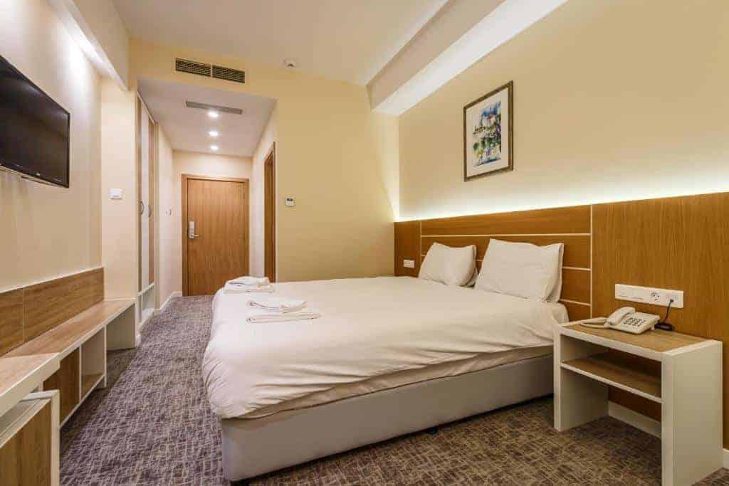 9.Hotel Bellevue