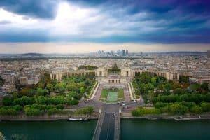 العودة إلى مدينة باريس - فرنسا - باريس