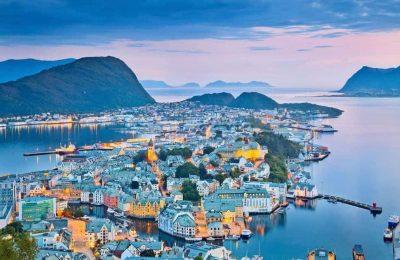 افضل وقت للسفر إلى اليسوند في النرويج