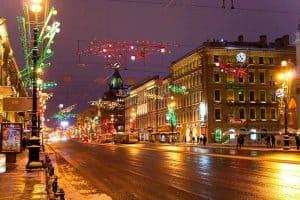التجول في مدينة سان بطرسبرغ - روسيا - سان بطرسبرغ