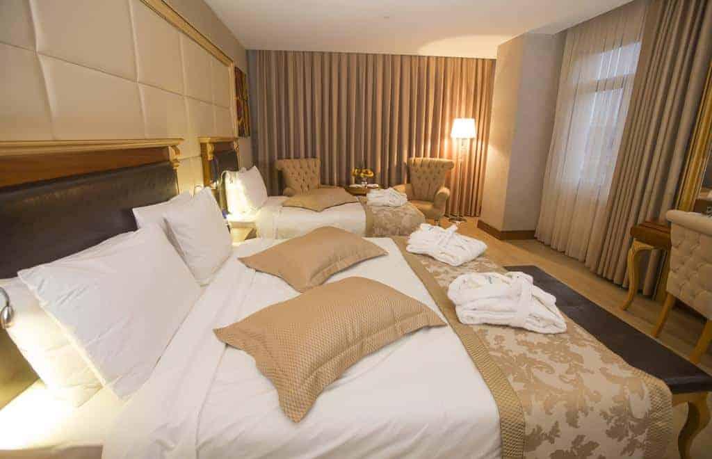 3.فندق ويندهام باتومي