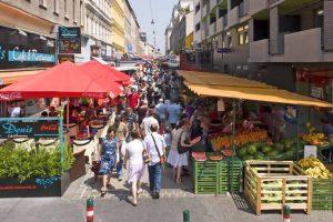 زيارة أشهر أسواق فيينا - النمسا - فيينا