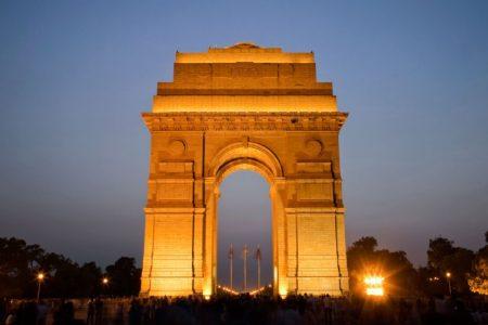 المسافه من الرياض الى الهند