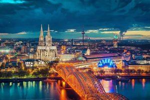 التجول في مدينة كولونيا Cologne - ألمانيا - كولونيا