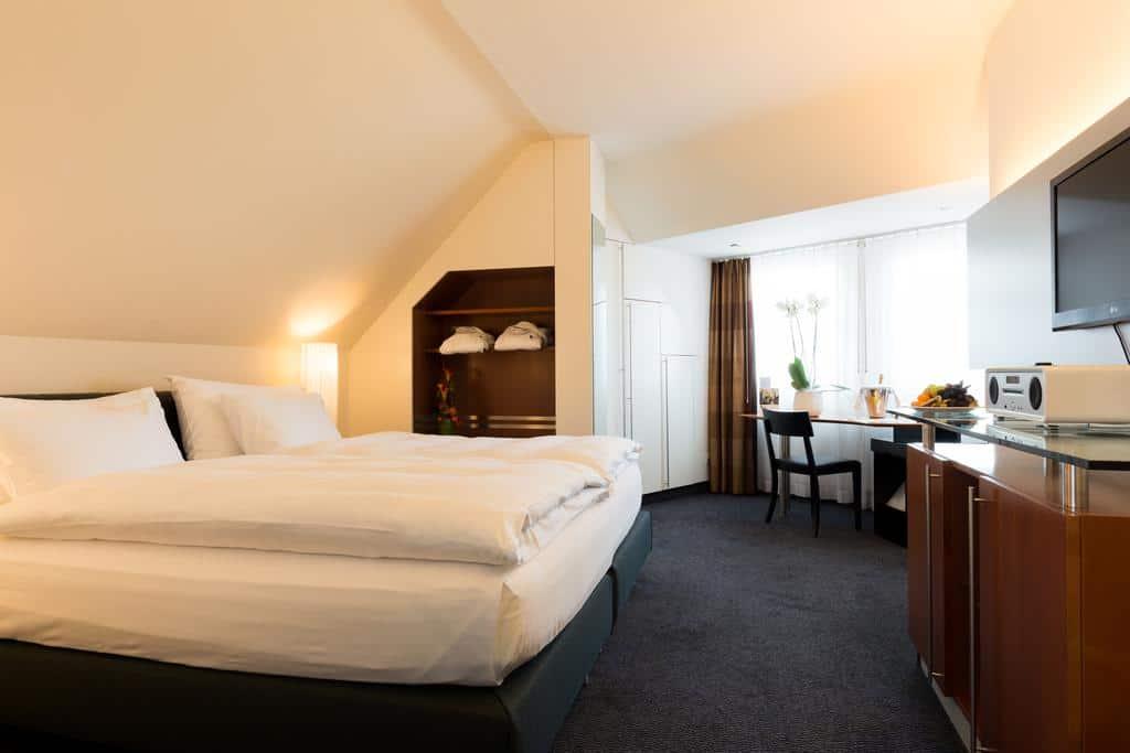 9.فندق بازل-min