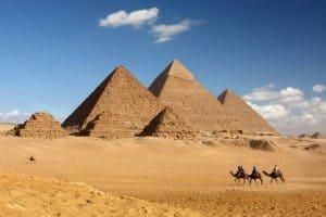 زيارة الأهرامات المصرية – القاهرة – مصر