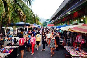 سوق شارع مالكوم الليلي