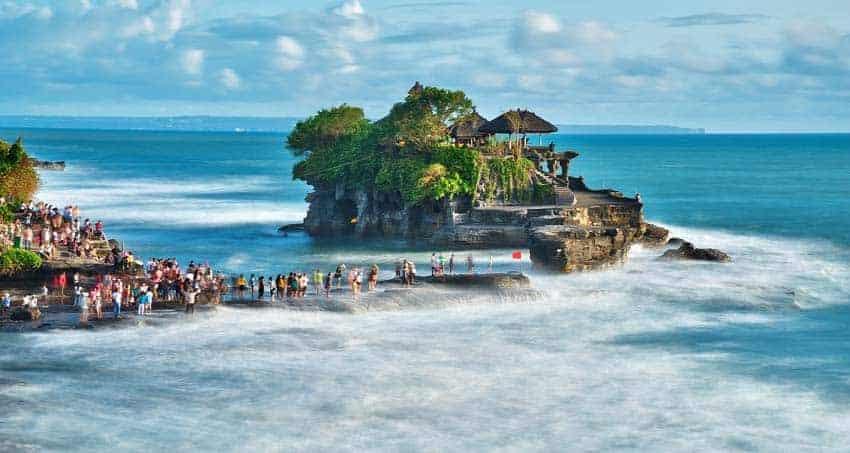 """تقرير عن جزيرة """" بالي """" في إندونيسيا"""