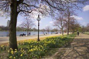 يوم سياحي مميز في مدينة لندن البريطانية ل103