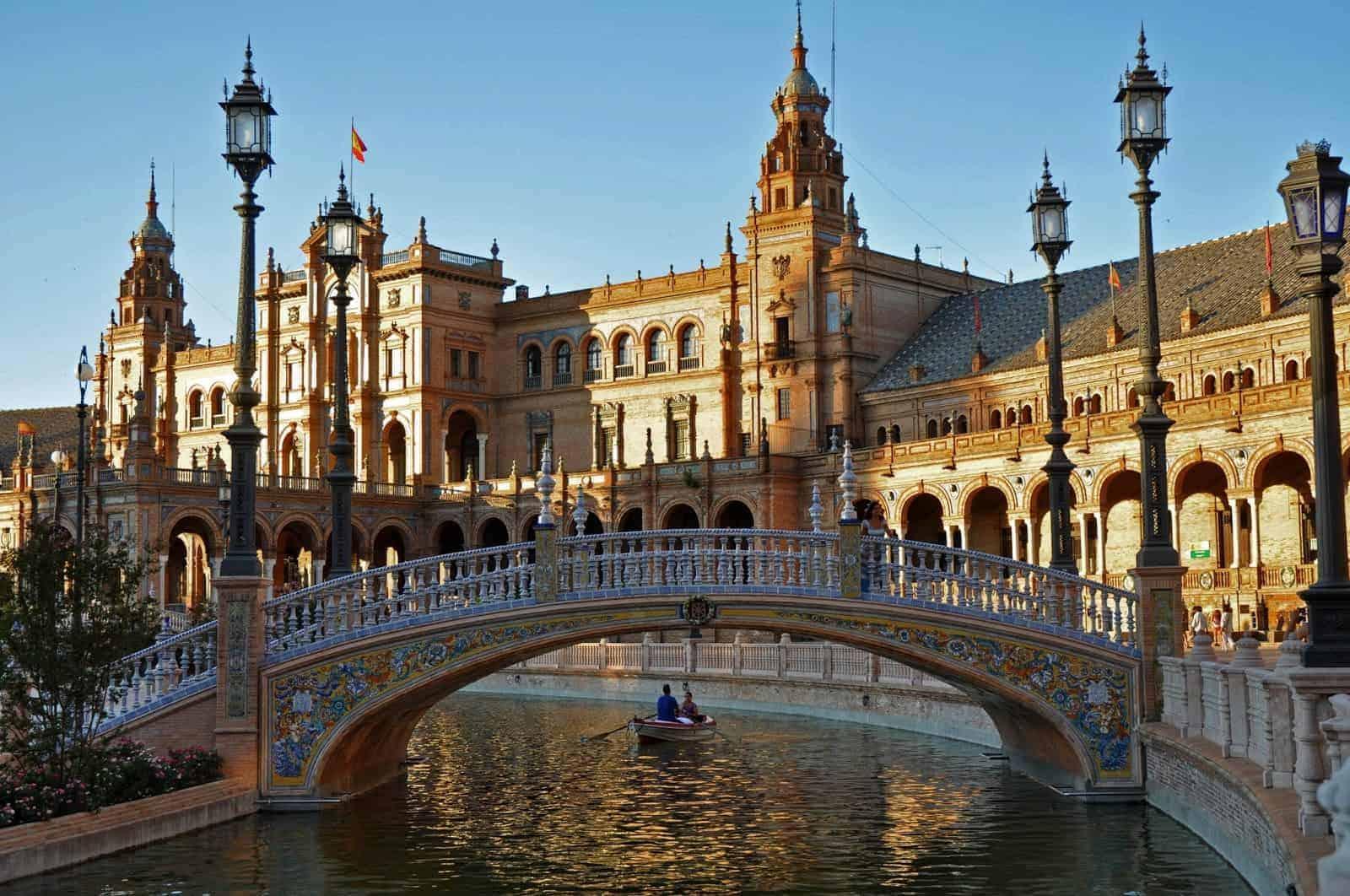 خطوات تخطيط وتجهيز رحلتي إلى إسبانيا بالتفصيل