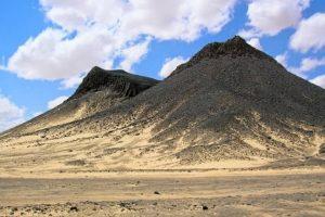 زيارة شجرة الحياة وجبل آل دخان - البحرين - البحرين
