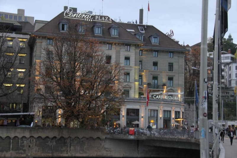 فندق Central Plaza