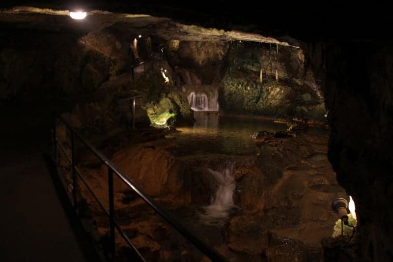 كهوف St. Beatus Caves