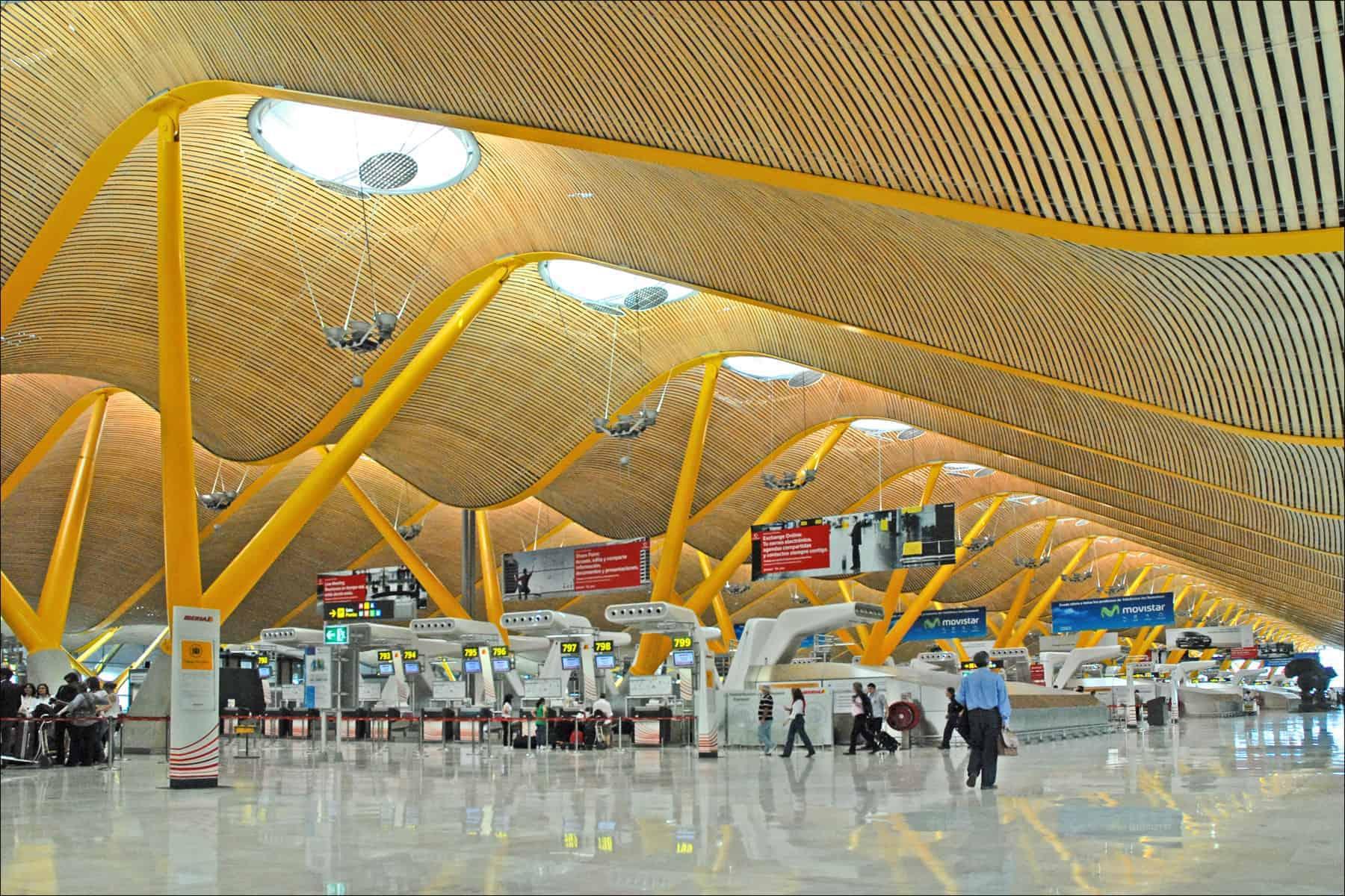 مطار مدريد باراخاس