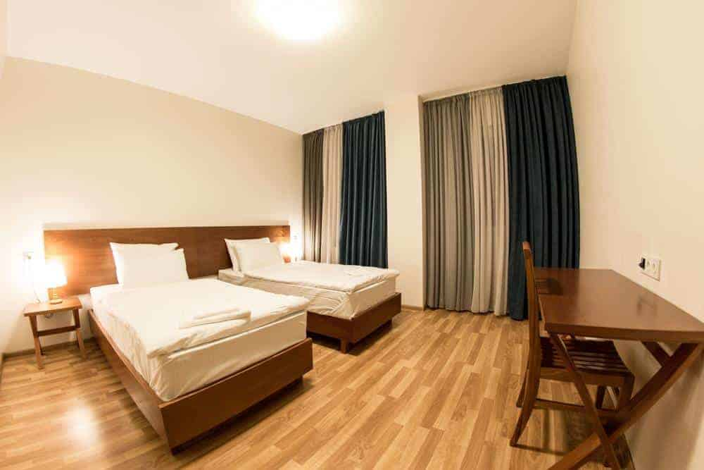 6.فندق ديكا-min