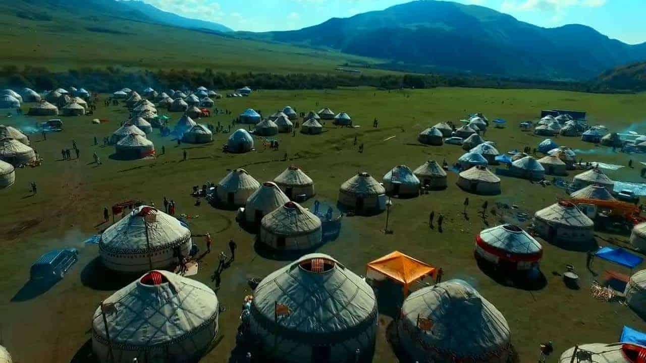 التخييم في جبال الارجا قرغيزستان