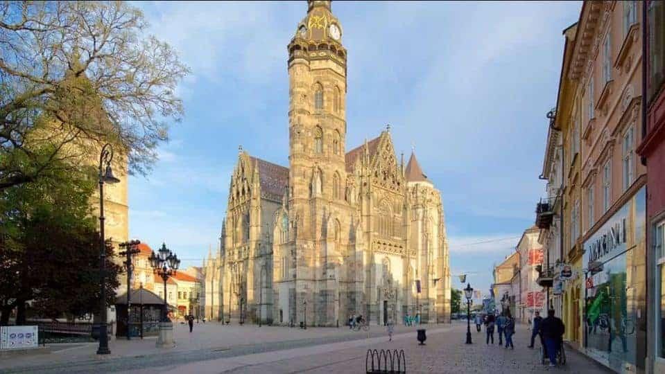 الكنيسة في مدينة كوسيتشي سلوفاكيا