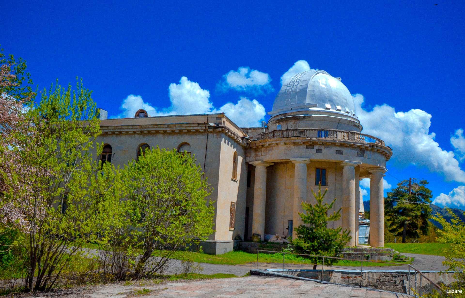 مرصد اباستوماني الفيزيائي الفلكي جورجيا