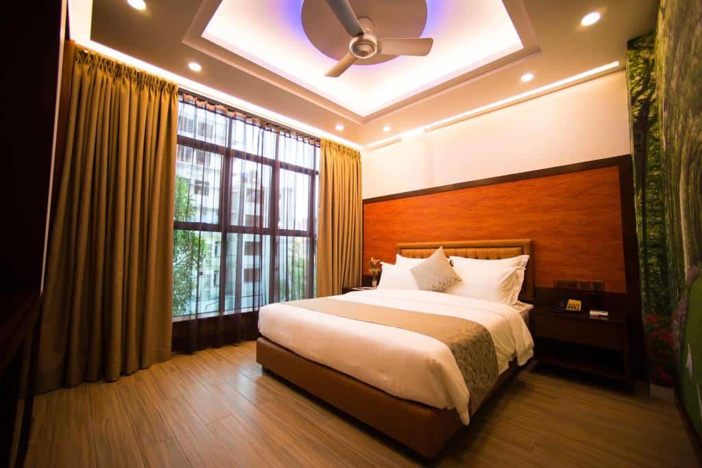 1.فندقOsmium